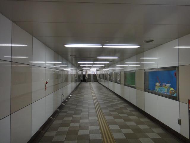 地下通路の中
