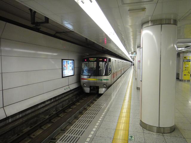 大江戸線車両